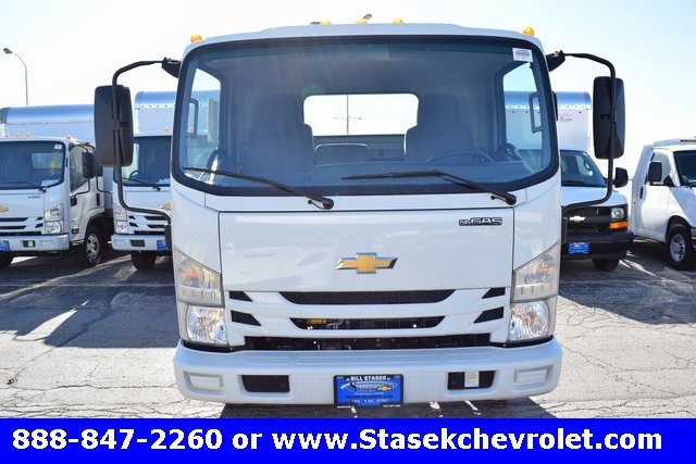 2016 Low Cab Forward Regular Cab Cab Chassis #166890 - photo 5