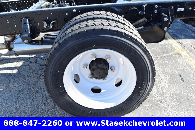2016 Low Cab Forward Regular Cab Cab Chassis #166890 - photo 8