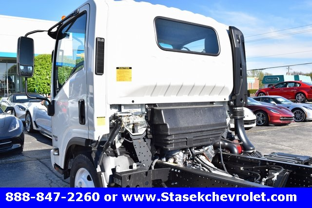 2016 Low Cab Forward Regular Cab, Cab Chassis #166890 - photo 10