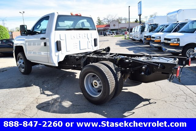2017 Silverado 3500 Regular Cab 4x4, Cab Chassis #168584 - photo 2