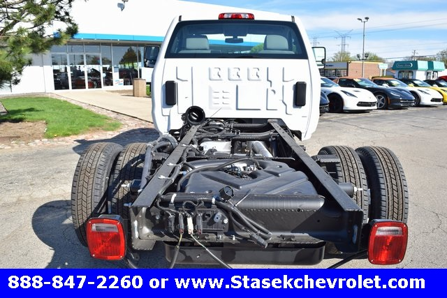 2017 Silverado 3500 Regular Cab 4x4, Cab Chassis #168584 - photo 13