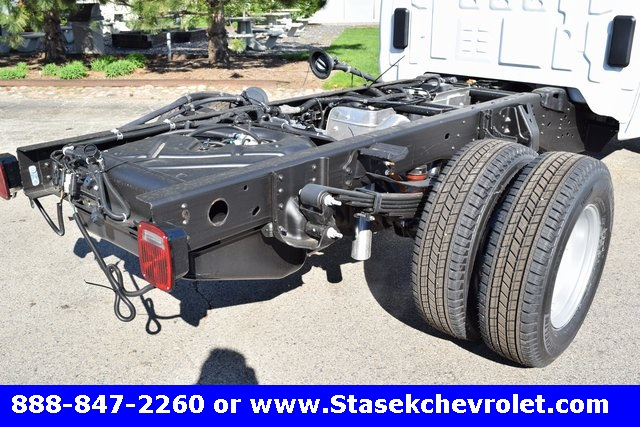 2017 Silverado 3500 Regular Cab 4x4, Cab Chassis #168584 - photo 14
