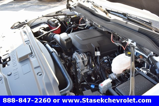 2017 Silverado 3500 Regular Cab 4x4, Cab Chassis #168584 - photo 18