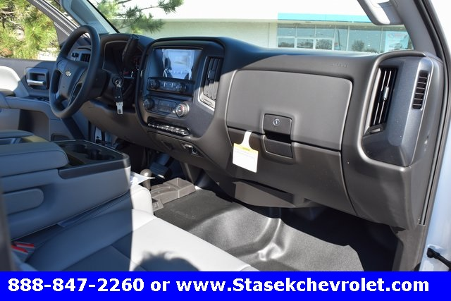 2017 Silverado 3500 Regular Cab 4x4, Cab Chassis #168584 - photo 24