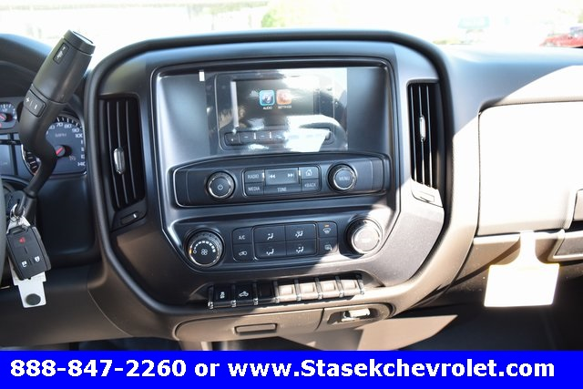 2017 Silverado 3500 Regular Cab 4x4, Cab Chassis #168584 - photo 32