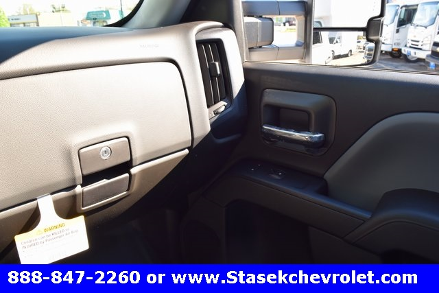 2017 Silverado 3500 Regular Cab 4x4, Cab Chassis #168584 - photo 33