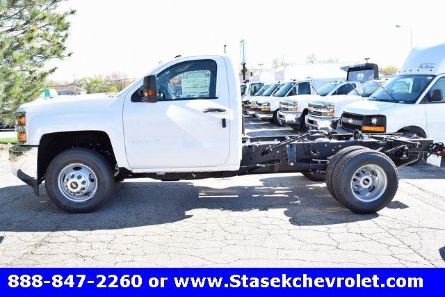 2017 Silverado 3500 Regular Cab 4x4, Cab Chassis #168623 - photo 11