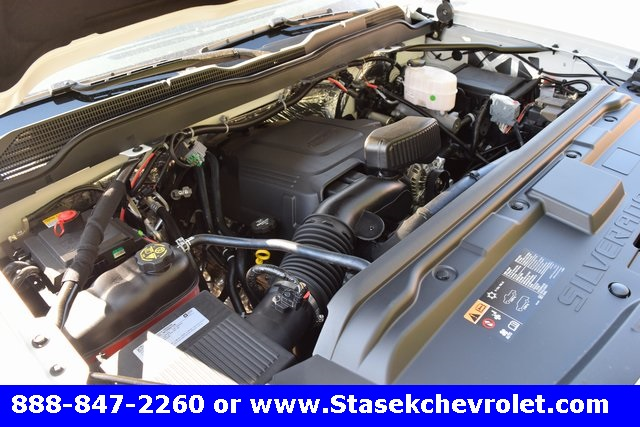2017 Silverado 3500 Regular Cab 4x4, Cab Chassis #168623 - photo 18