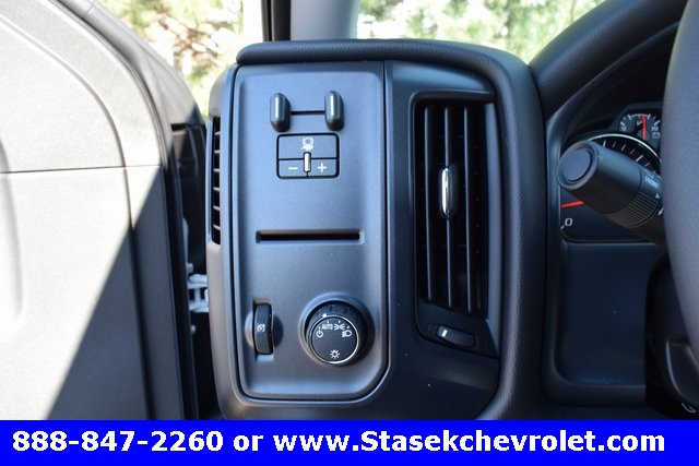 2017 Silverado 3500 Regular Cab 4x4, Cab Chassis #168623 - photo 34
