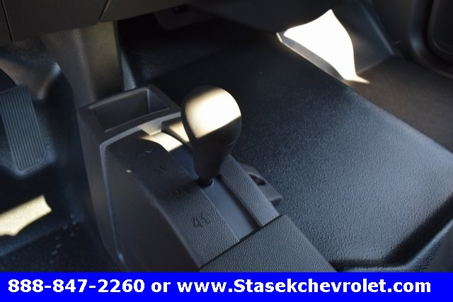 2017 Silverado 3500 Regular Cab 4x4, Cab Chassis #168623 - photo 37