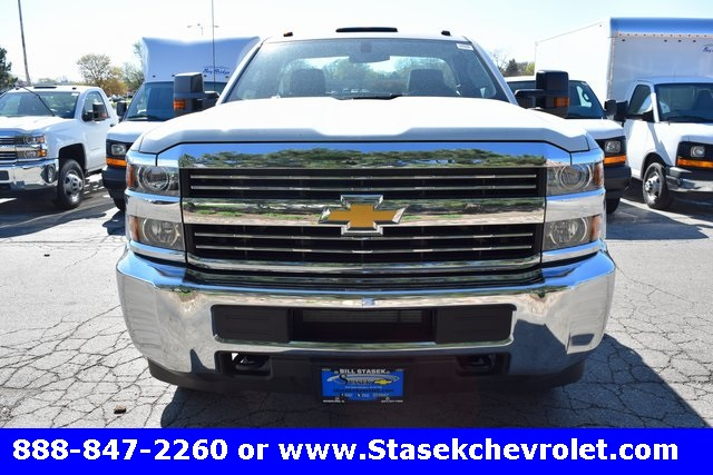 2017 Silverado 3500 Regular Cab 4x4, Cab Chassis #168623 - photo 5