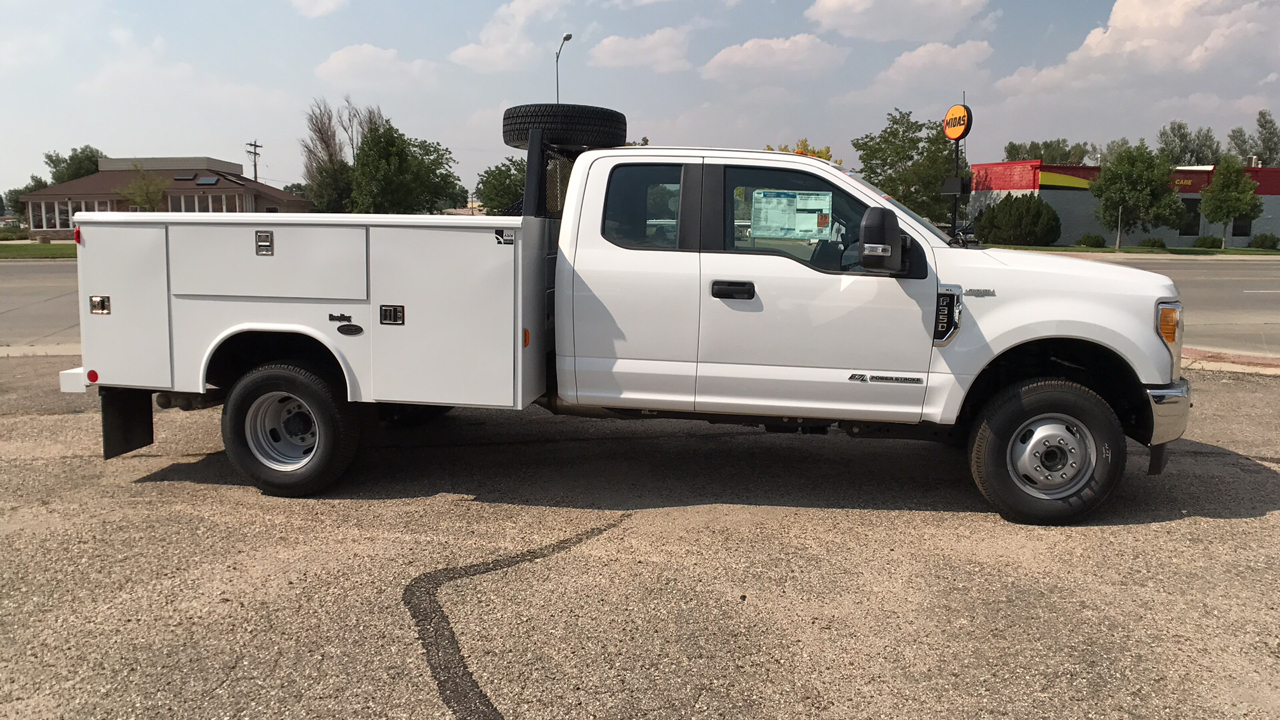 2017 F-350 Super Cab DRW 4x4, Reading Service Body #HEB80944 - photo 3