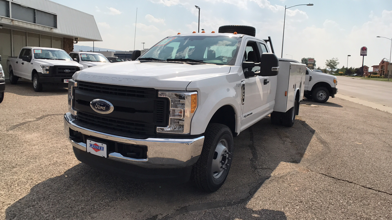2017 F-350 Super Cab DRW 4x4, Reading Service Body #HEB80944 - photo 7