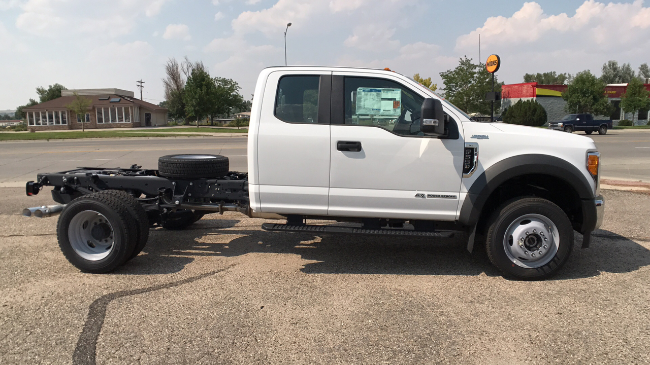 2017 F-550 Super Cab DRW 4x4, Cab Chassis #HEC04052 - photo 3