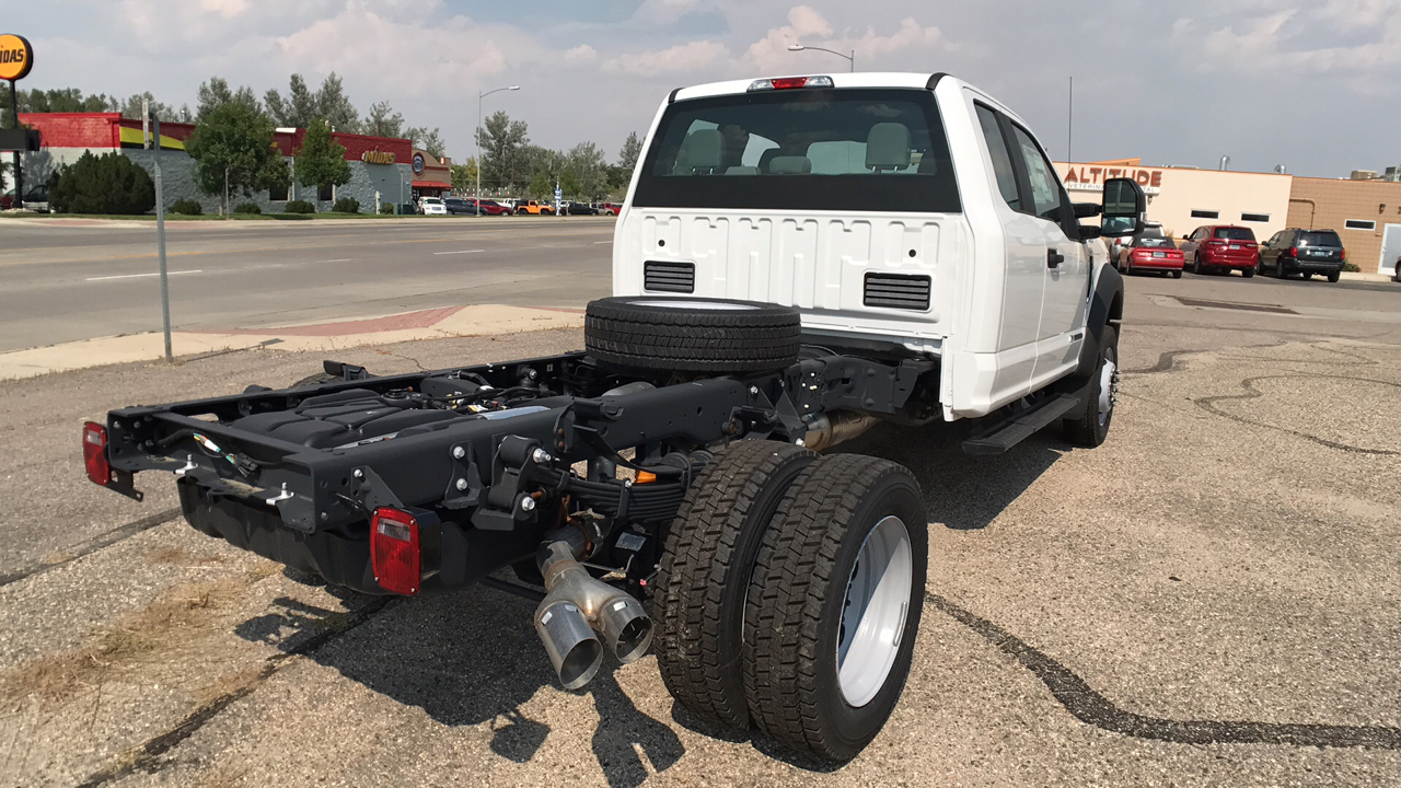 2017 F-550 Super Cab DRW 4x4, Cab Chassis #HEC04052 - photo 2