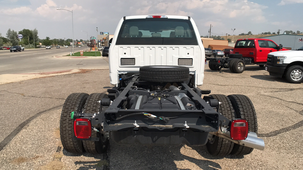 2017 F-550 Super Cab DRW 4x4, Cab Chassis #HEC04052 - photo 4