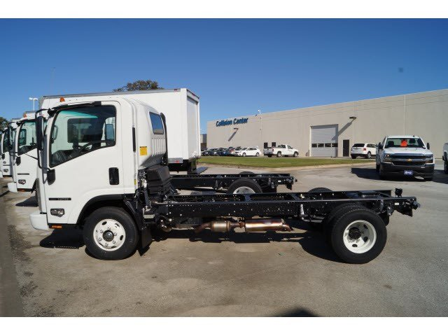 2016 NPR Regular Cab, Cab Chassis #263811 - photo 3