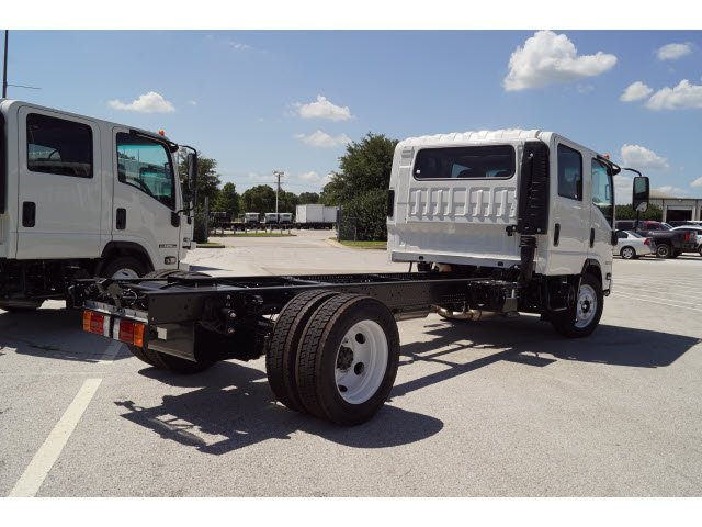 2017 NPR Crew Cab Cab Chassis #273505 - photo 2