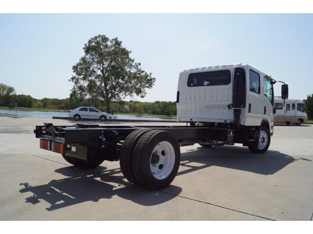2017 NPR Crew Cab Cab Chassis #274055 - photo 2
