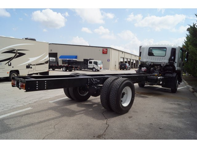 2018 FTR Regular Cab Cab Chassis #280465 - photo 2