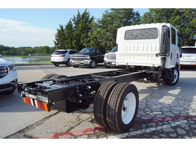 2018 NPR-HD Crew Cab,  Cab Chassis #284308 - photo 2