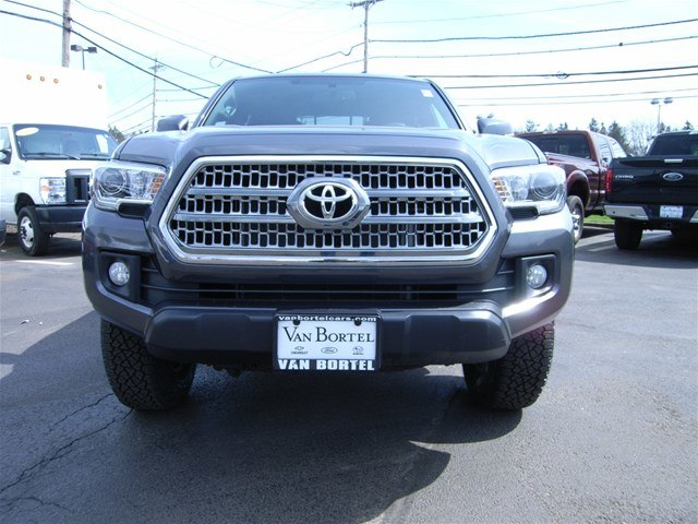 2017 Tacoma Double Cab 4x4,  Pickup #55610A - photo 11