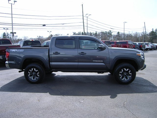 2017 Tacoma Double Cab 4x4,  Pickup #55610A - photo 9