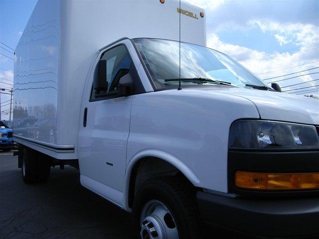2018 Savana 3500 4x2,  Cutaway Van #X9053 - photo 12