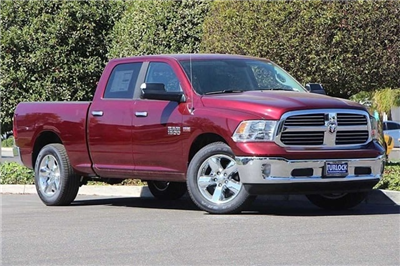2017 Ram 1500 Crew Cab Pickup #N5831 - photo 3