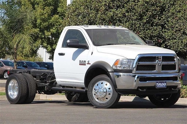 2017 Ram 5500 Regular Cab DRW 4x4 Cab Chassis #N5894 - photo 3