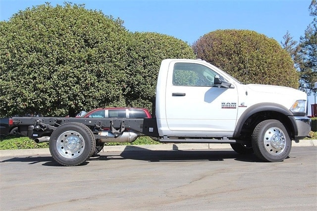 2017 Ram 5500 Regular Cab DRW 4x4 Cab Chassis #N5894 - photo 5