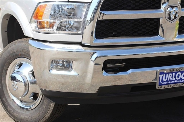 2018 Ram 3500 Crew Cab DRW 4x4 Cab Chassis #N5929 - photo 4