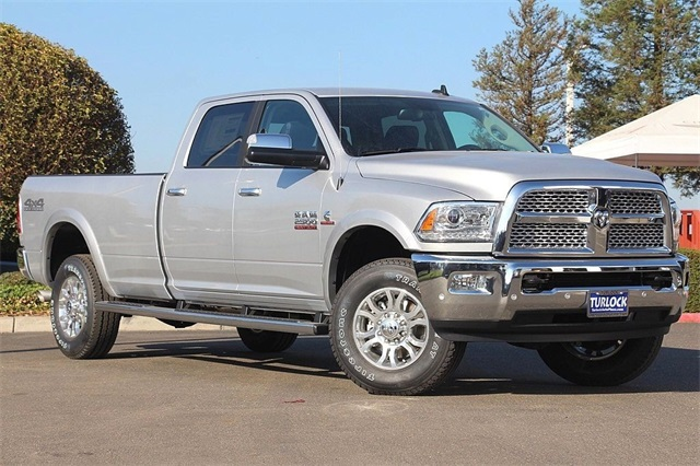 2018 Ram 2500 Crew Cab 4x4 Pickup #N5965 - photo 3