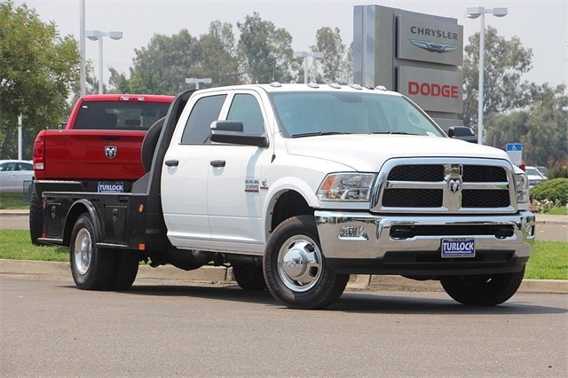 2018 Ram 3500 Crew Cab DRW 4x4, Cab Chassis #N6005 - photo 3