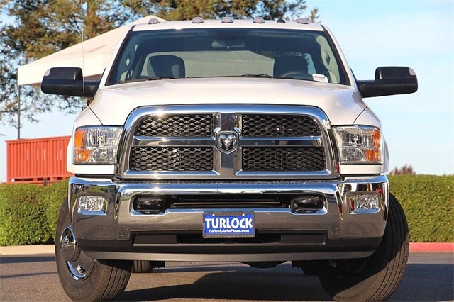 2018 Ram 3500 Crew Cab DRW 4x4 Cab Chassis #N6005 - photo 5