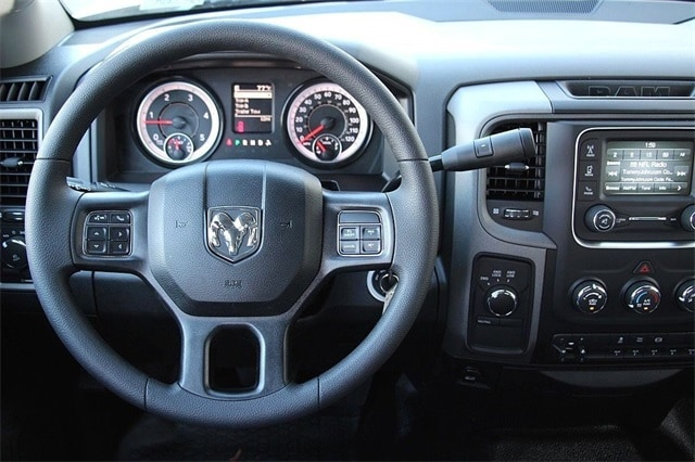 2018 Ram 3500 Crew Cab DRW 4x4 Cab Chassis #N6076 - photo 13