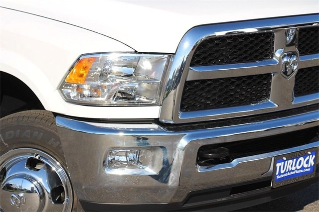 2018 Ram 3500 Crew Cab DRW 4x4 Cab Chassis #N6076 - photo 4