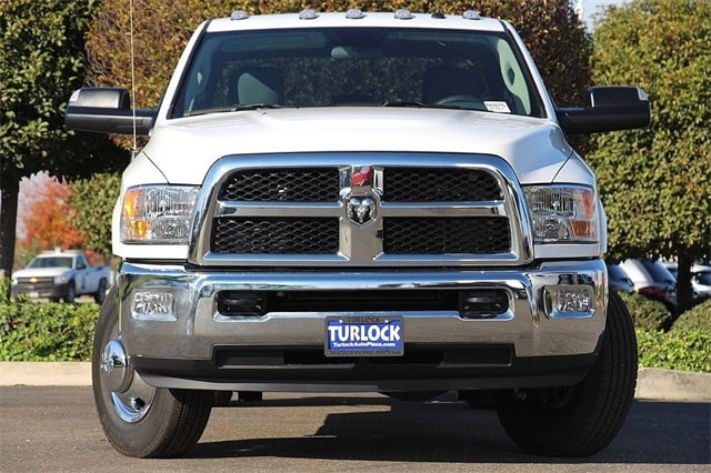 2018 Ram 3500 Crew Cab DRW 4x4 Cab Chassis #N6076 - photo 5