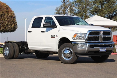 2018 Ram 3500 Crew Cab DRW 4x4 Cab Chassis #N6076 - photo 3