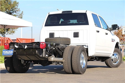2018 Ram 3500 Crew Cab DRW 4x4 Cab Chassis #N6076 - photo 2