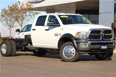 2018 Ram 5500 Crew Cab DRW 4x4, Cab Chassis #N6117 - photo 3