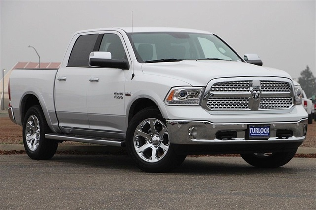 2018 Ram 1500 Crew Cab 4x4 Pickup #N6165 - photo 3