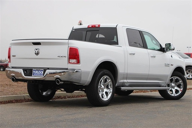 2018 Ram 1500 Crew Cab 4x4 Pickup #N6165 - photo 2