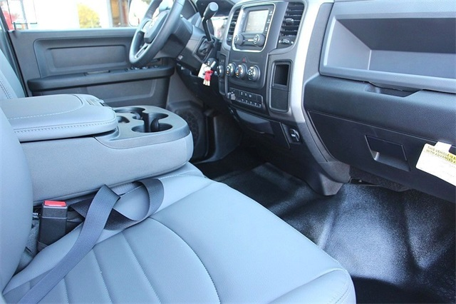 2018 Ram 5500 Crew Cab DRW 4x4,  Service Body #N6230 - photo 14