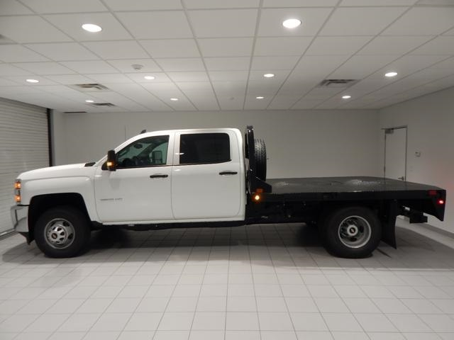 2017 Silverado 3500 Crew Cab 4x4, Platform Body #16305 - photo 5