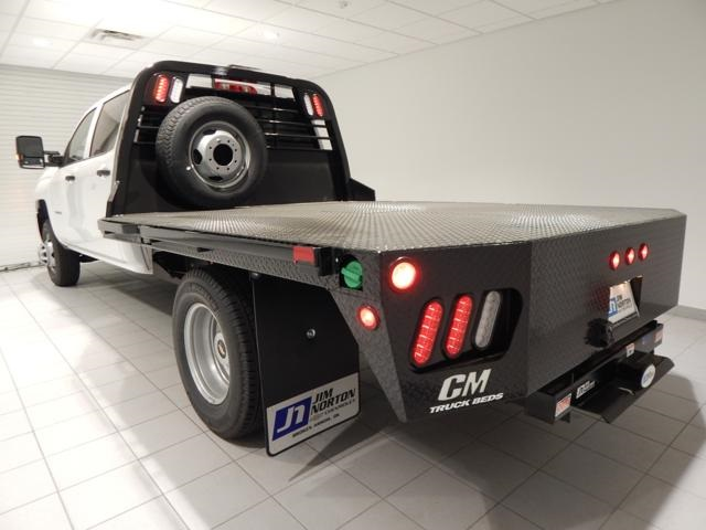2017 Silverado 3500 Crew Cab Platform Body #16419 - photo 4