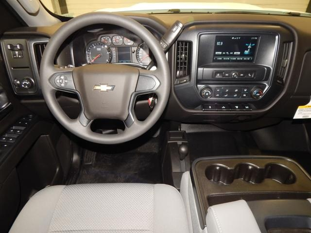 2017 Silverado 3500 Crew Cab 4x4, Platform Body #17310 - photo 7