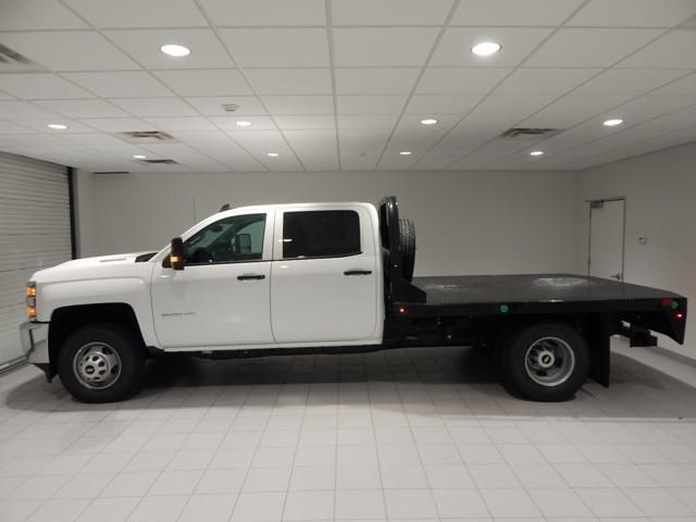 2018 Silverado 3500 Crew Cab 4x4, Platform Body #17451 - photo 5