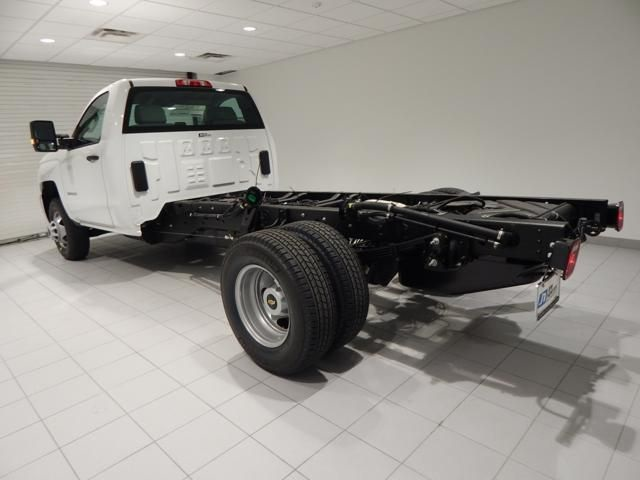 2018 Silverado 3500 Regular Cab 4x4 Cab Chassis #17501 - photo 4