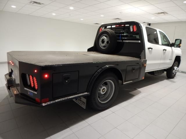 2018 Silverado 3500 Crew Cab 4x4 Platform Body #17507 - photo 2